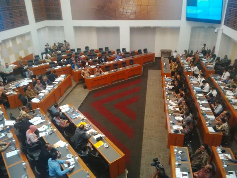 Di Depan DPR, Menkeu Jelaskan Pentingnya Pengampunan Pajak