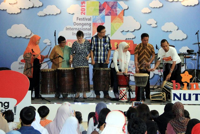 Festival Dongeng Internasional Indonesia 2015