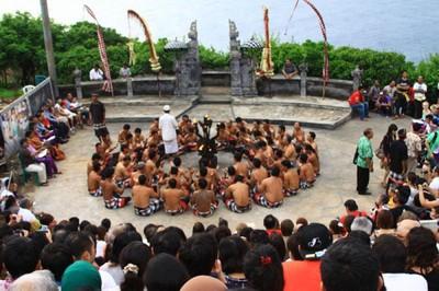 Tempat Nonton Tari Kecak Paling Asyik di Bali