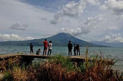 Tersihir Pesona Danau Terbesar Kedua se-Sumatera