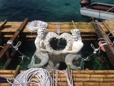 Sepasang Duyung Hadir untuk Melestarikan Perairan Bunaken