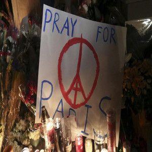 Dukungan Dunia Bisnis Teknologi untuk Korban Tragedi Paris