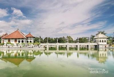 Taman Soekasada Ujung, Istana Air Paling Menakjubkan di Bali