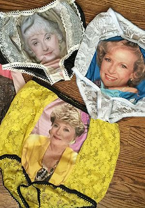 Granny Panties, Underwear Gambar Nenek-nenek Ini Laku Terjual di Amerika