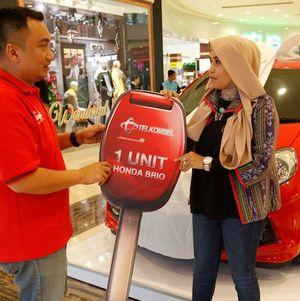 Telkomsel Bidik Pengunjung Mal Bekasi