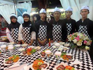 Kreasi Steak Pelajar Purwakarta Meriahkan Festival Steak Maranggi