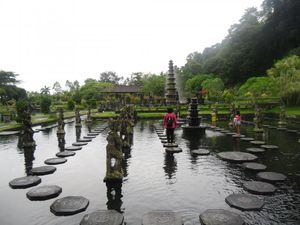Yang Segar dari Bali, Istana Air Taman Tirta Gangga