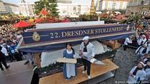 Stollen Sepanjang 3,5 Meter dengan Berat 3.000 Kg dari Dresden Pecahkan Rekor