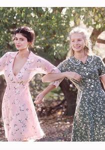 Tampil di Cover Vogue, Kylie Jenner Pose Bareng Adik Gigi Hadid & Kate Moss