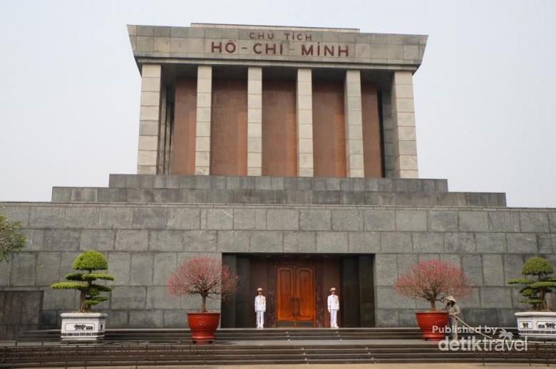 Ho Chi Minh Mausoleum (Arief Kas/d'Traveler)