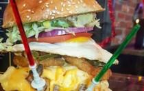 Perlu Energi Ekstra untuk Habiskan Burger Star Wars Ini