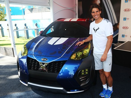 Rafael Nadal Mejeng dengan Mobil X-Men