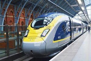 Rokok Elektrik Picu Alarm, Traveler di Inggris Terjebak 5 Jam di Kereta