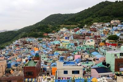 Bisa Jadi, Desa Korea Ini Paling Warna-Warni di Asia