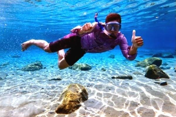 Foto underwater di Umbul Ponggok (umbulponggok.com)