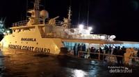 Salah satu kapal yang disediakan oleh pihak BAKAMLA yang akan membawa kami ke tengah laut Ternate