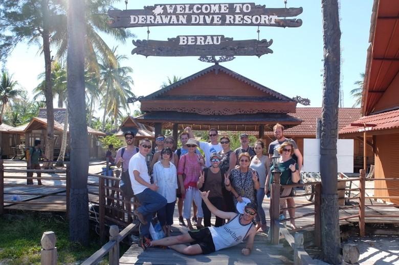 Para turis Australia yang kali pertama ke Derawan (Afif/detikTravel)