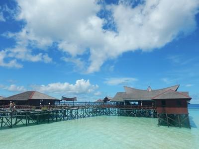 Foto-foto Perbandingan Maladewa dengan Maratua