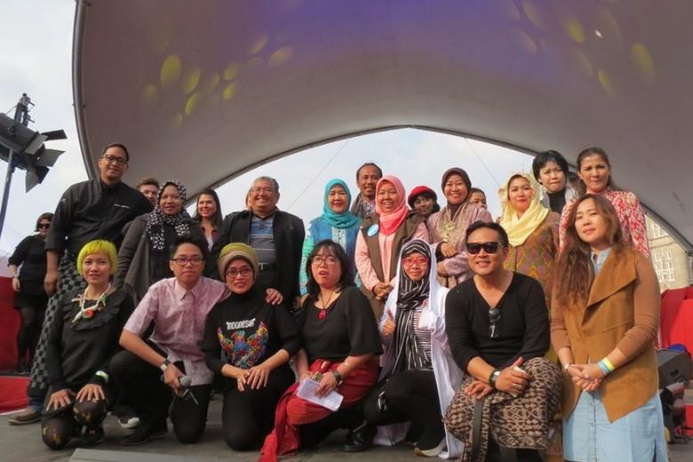 Nia Niscaya (kaos Indonesia) saat penutupan Festival Indonesian Weekend (Fitraya/detikTravel)