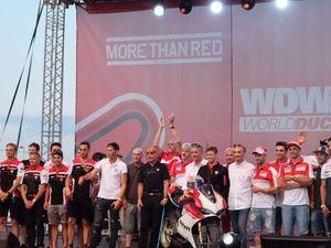Casey Stoner Luncurkan Panigale S Edisi Ultah 90 Tahun Ducati