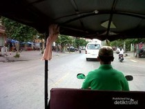 Naik Tuk-tuk di Kamboja, Kini Sudah Pakai Argo!