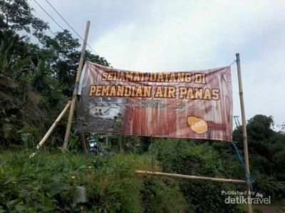 Long Weekend, Rileks Dulu Berendam Air Panas di Kaki Gunung Salak