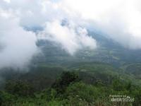 Pemandangan dari lereng Gunung Telomoyo
