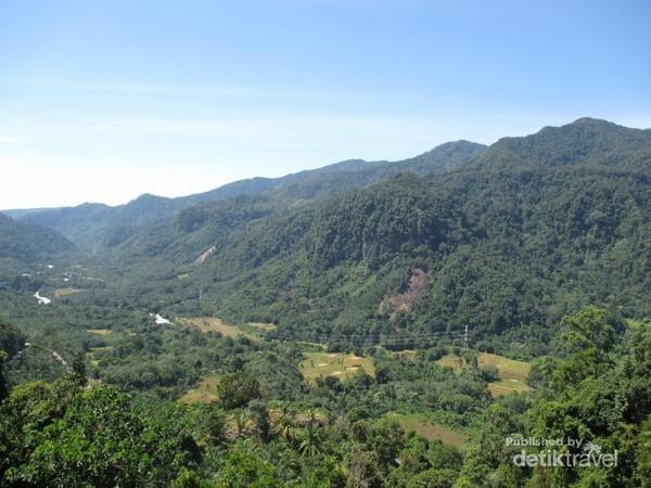 Pemandangan hijau Lembah Asahan
