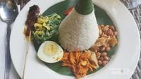 Nasi Campur Belong untuk mengisi perut sehabis berkeliling