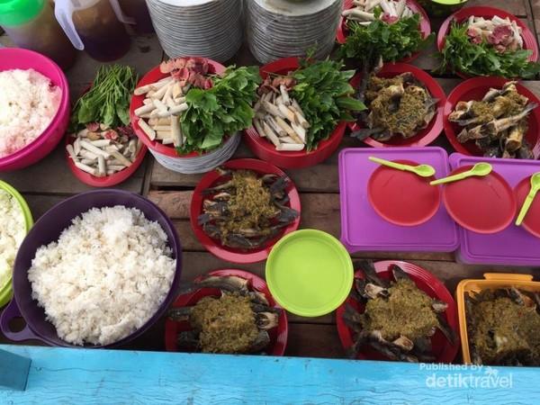 Makanan asli khas masyarakat di Kuala Terusan, Riau