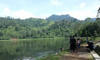 Situ Cisanti menjadi pusat kehidupan masyarakat Jawa Barat, karena menjadi hulu sungai Citarum yang mengalirkan airnya hingga ratusan kilometer. Terdapat 7 mata air yang menggenangi Situ Cisanti sebelum dialirkan ke sungai Citarum. Situ Cisanti juga sebagai tempat yang menjadi saksi sejarah, baik sejarah masa lalu bangsa Sunda ataupun kekinian. (Santi Gantini/Detik Travel)