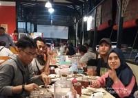 Mari makan bersama traveler