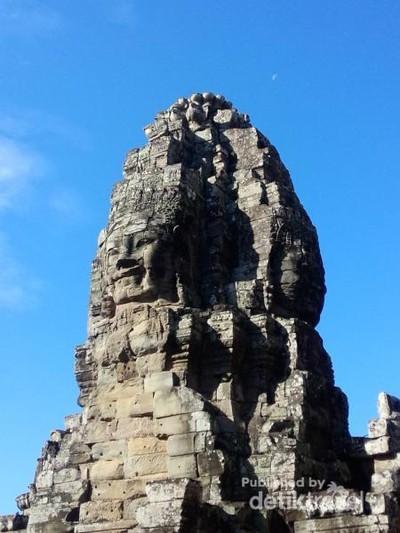 Candi Seribu Wajah yang Unik di Kamboja