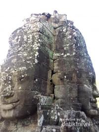 Konon wajah itu adalah milik sang Raja hingga Buddha