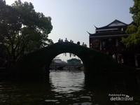 Salah satu jembatan