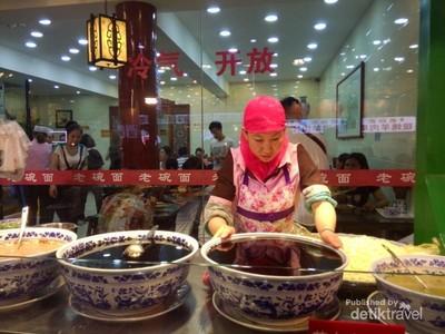 Ini Tempatnya Wisata Kuliner Halal di China