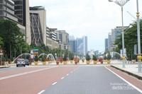 Kawasan Putrajaya yang tertata dengan bersih dan rapi. Putrajaya sendiri merupakan kawasan di ibukota Kuala Lumpur yang banyak difungsikan untuk pemerintahan