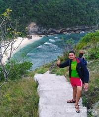 Pintu Masuk Pantai Atuh Nusa Penida