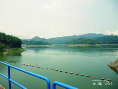 Sebelum Foto di Kalibiru, Nikmati Waduk Sermo Dulu