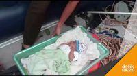 Dramatis! Aksi Petugas Evakuasi Bayi 1,5 Bulan di Lokasi Banjir