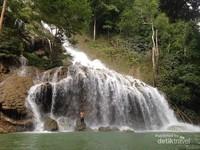 Air Terjun Lapopu yang cantik