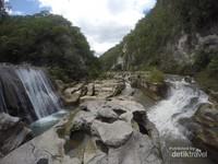 Air Terjun Tanggedu berasal dari dua sumber air