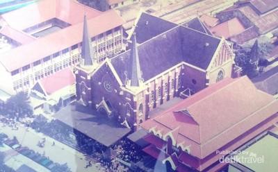 Mengintip jejak Eropa di Gereja Tertua Surabaya