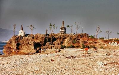 Terpikat Pesona Pantai Batu Nona di Kupang