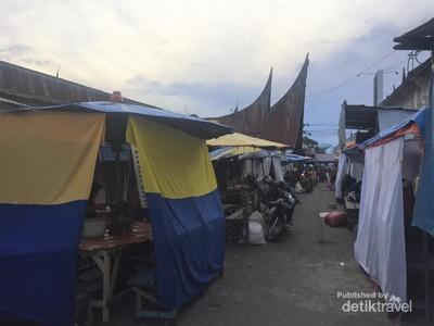 Nikmatnya Sarapan Pedas di Kampung Minang