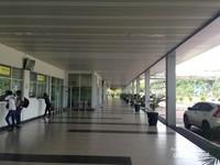 Bandara Kalimarau terlihat bersih dan tertata rapi
