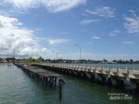 Pelabuhan Tanjung Batu yang menjadi penghubung wisatawan ke Pulau Derawan