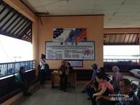 Ruang Tunggu di Pelabuhan Tanjung Batu yang cukup nyaman