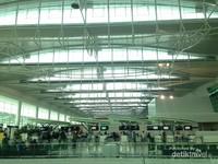 Arsitektur moderen yang sangat kental di Bandara Sepinggan, Balikpapan
