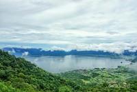 Cantiknya Danau Maninjau